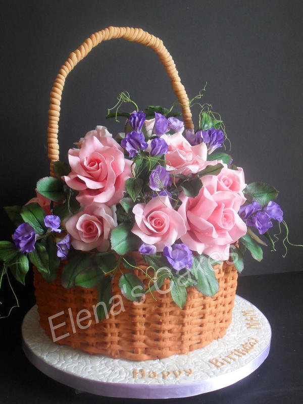 Basket with Roses and Sweet Peas Cake